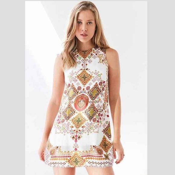Ecote Dresses & Skirts - cote Guinevere Open-Back Frock Dress